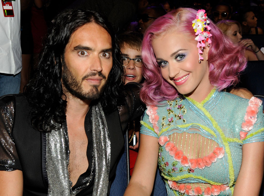 Russell Brand, Justin Bieber, Katy Perry, Photobomb