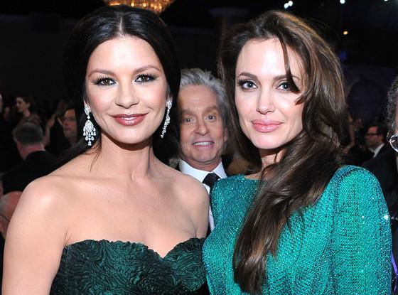 Catherine Zeta-Jones, Angelina Jolie, Michael Douglas, Photobomb