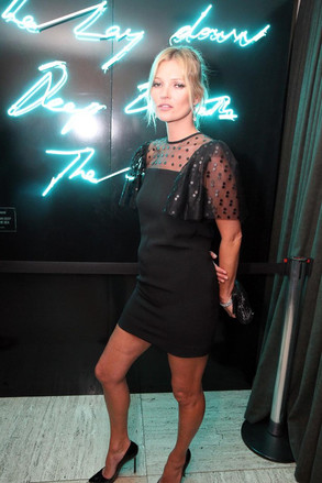 Images of Fergie, Kate Moss and Dita Von Tease on a party held Vogue and Schutz at bar Baretto, São Paulo, honoring Kate Moss