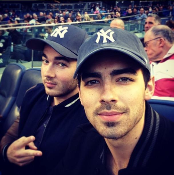 Joe Jonas, Kevin Jonas, Danielle Jonas, Instagram