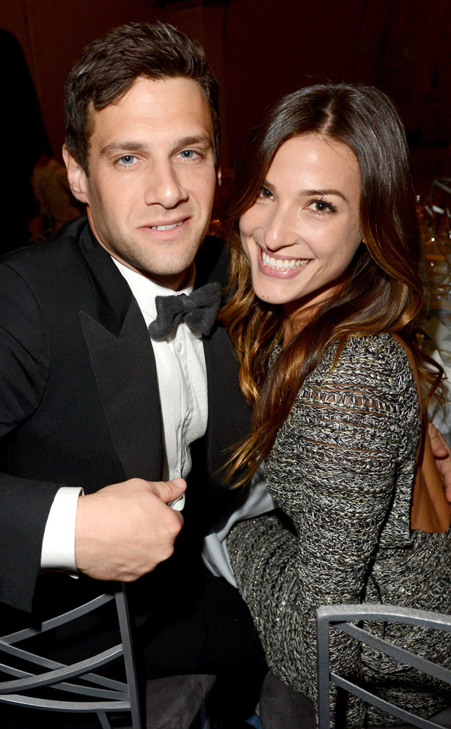 Justin Bartha, Lia Smith