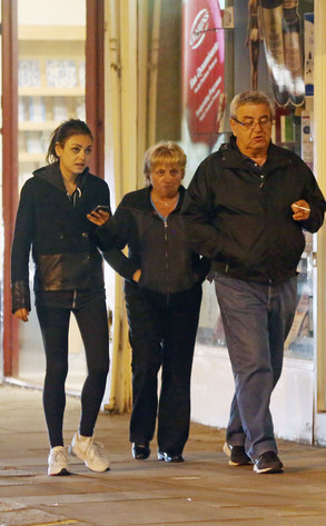 Elvira Kunis mila kunis dines with parents without ashton kutcher e