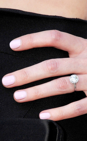Alexis Bledel, Engagement Ring