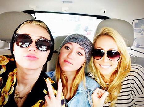 Miley Cyrus, Noe, Tish