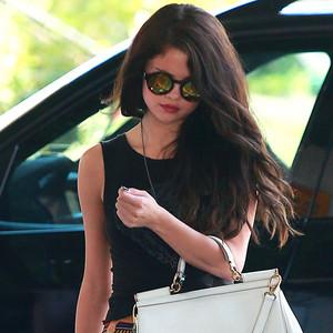 Selena Gomez, Sunglasses Trends