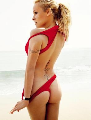 Pamela Andeson, Vogue Brasil