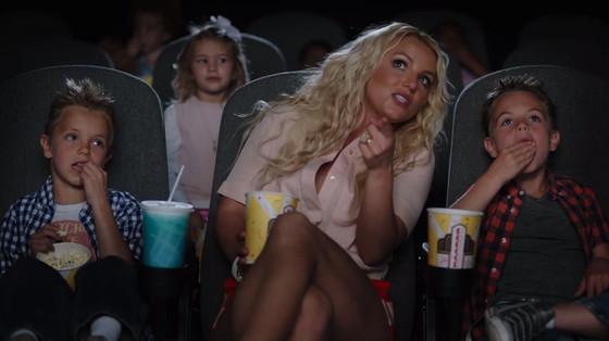 Britney Spears, Smurfs Ooh La La Music Video