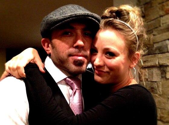 Kaley cuoco og Kunal Nayyar dating Når er er vi offisielt dating kommer ut i Australia
