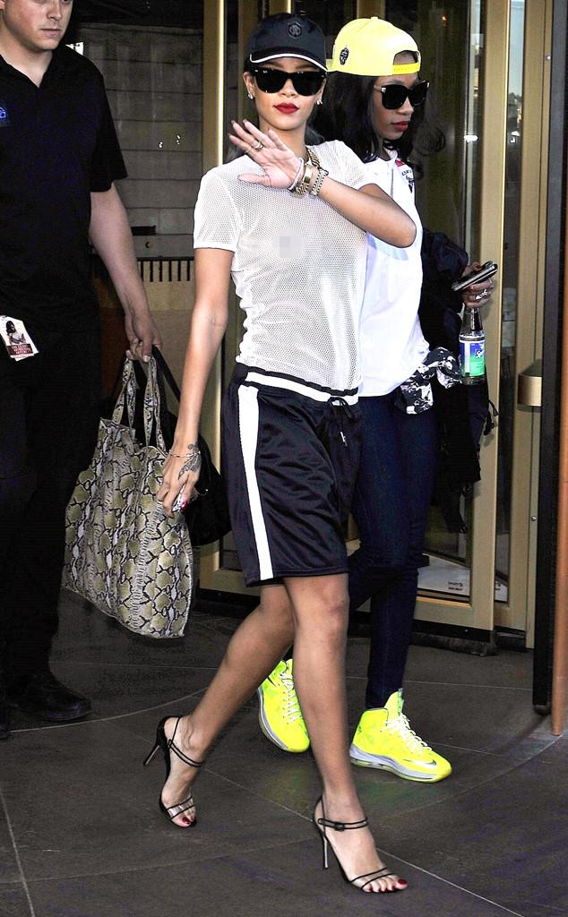 Rihanna, Mesh Top