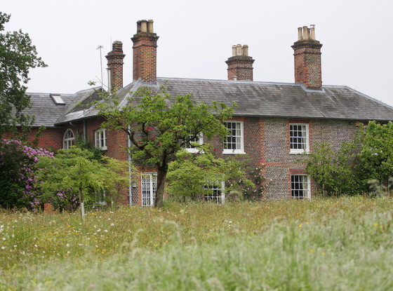 Bucklebury Manor, Front View, Prince William, Kate Middleton, Duchess Catherine