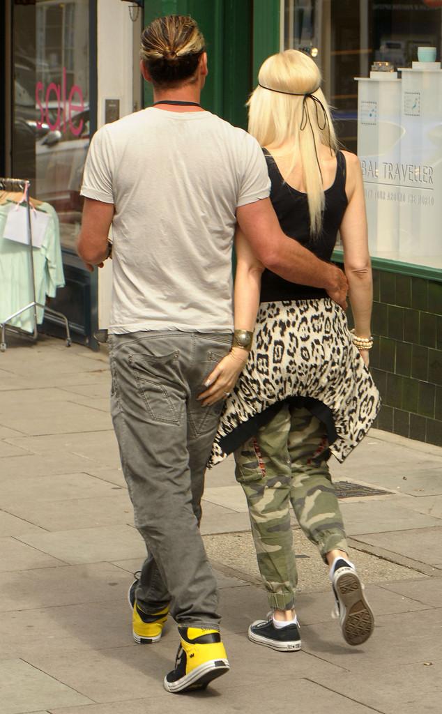 PDA of the Day: Gwen Stefani Grabs Hubby Gavin Rossdales