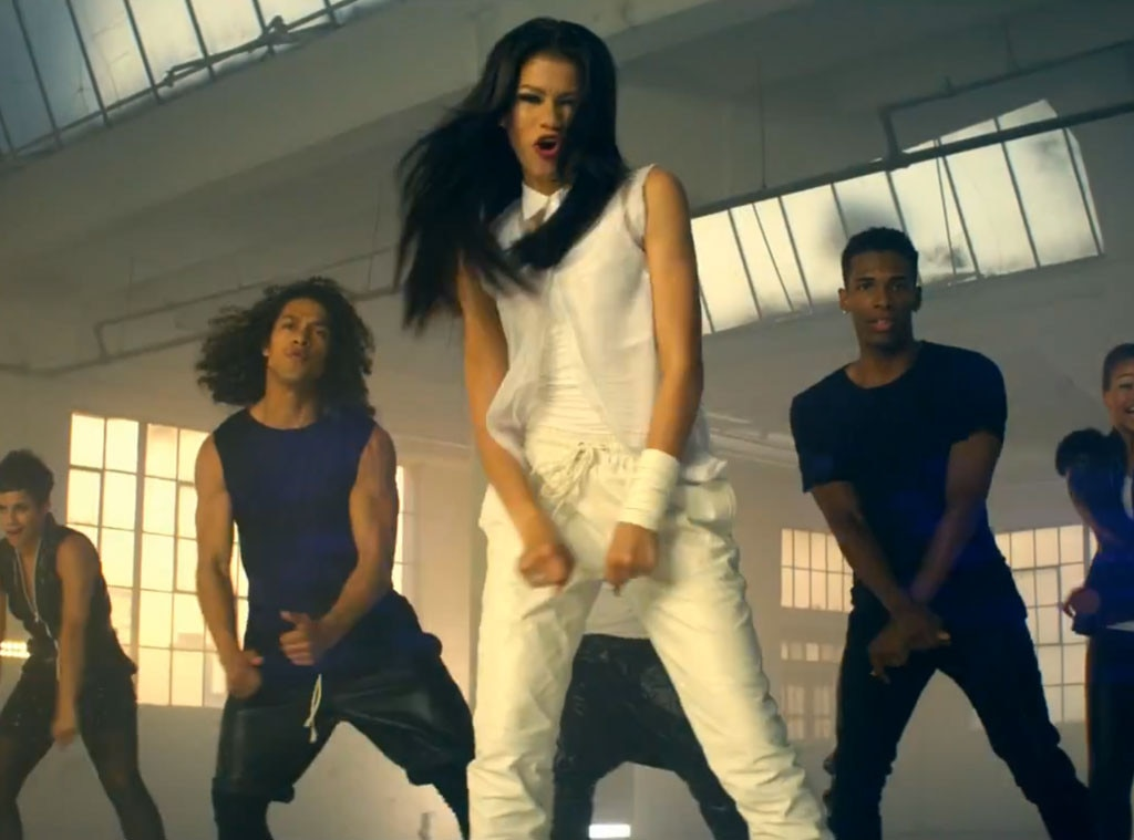 Zendaya, Replay Video