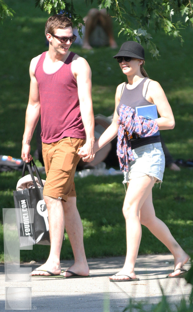 Nicholas Hoult And Jennifer Lawrence Break Up Jennifer Lawren...