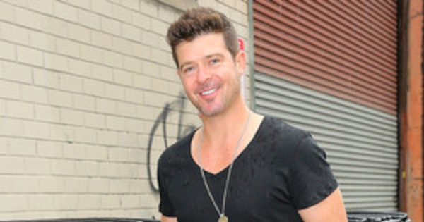 Robin Thicke Talks About His Penis Size, Nudity At Home -8937