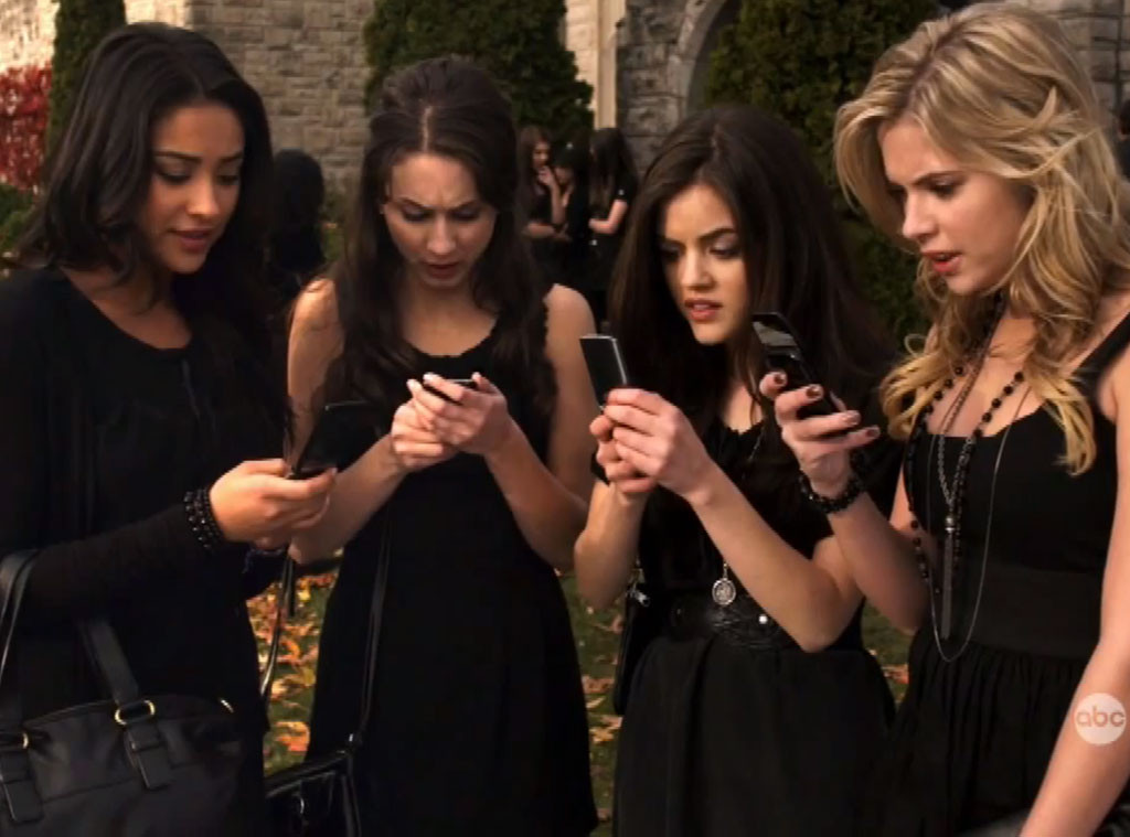 Pretty Little Liars, OMG Moments, Season 1