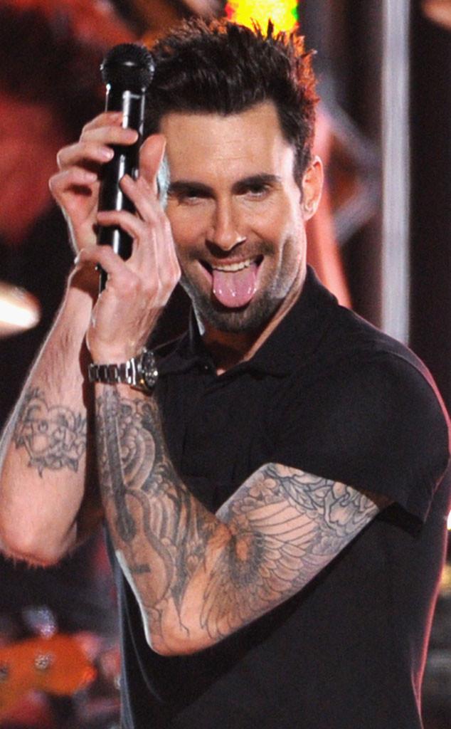 Adam Levine, Tongue