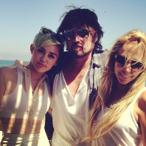Miley Cyrus, Billy Ray Cyrus, Tish Cyrus
