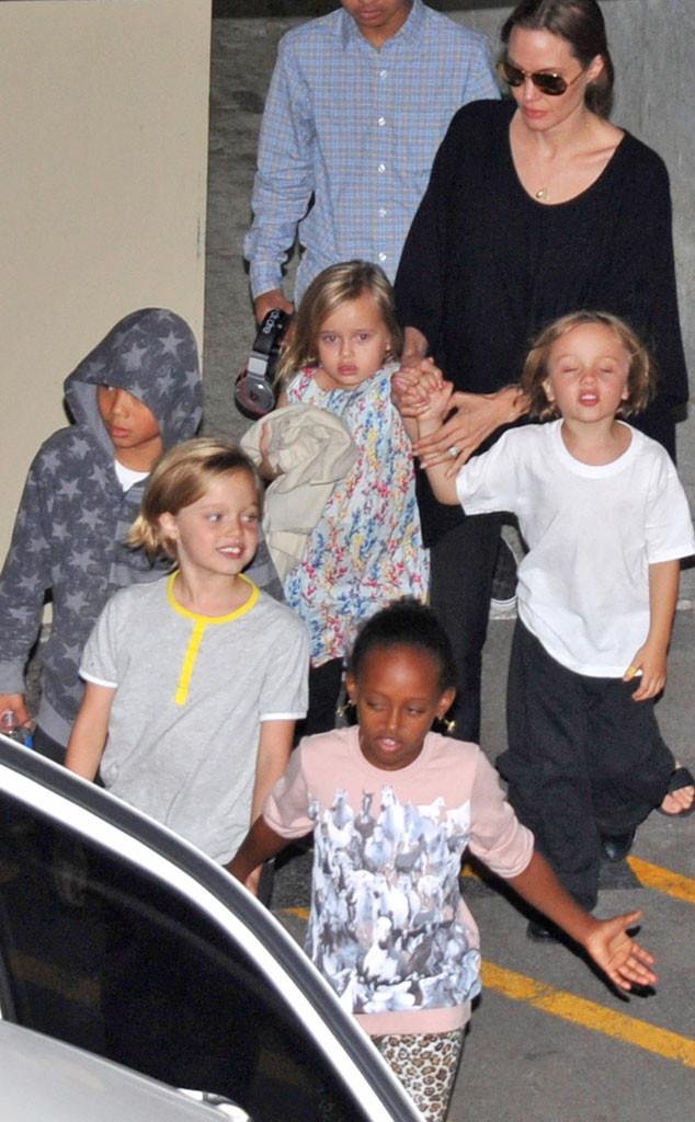 Angelina Jolie, Shiloh, Maddox, Pax, Zahara, Vivienne, Knox