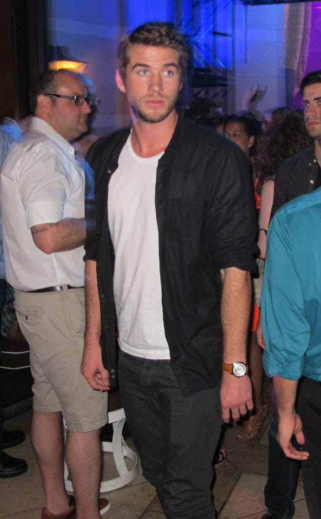 Liam Hemsworth, Eiza Gonzalez, NO WEB UNTIL 9PM PST
