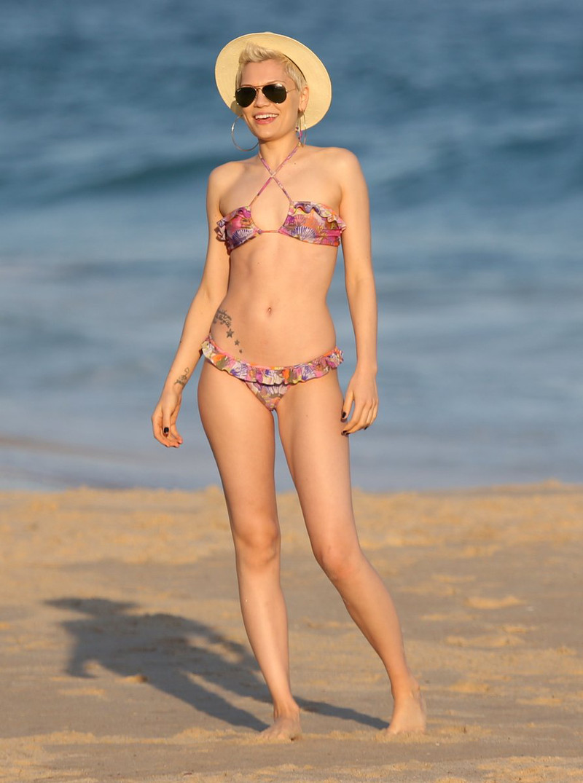 Jessie J, corpo, biquíni
