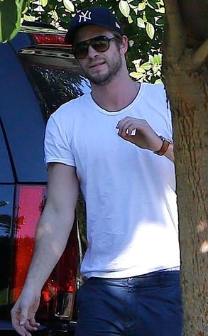 Liam Hemsworth, Eiza Gonzalez