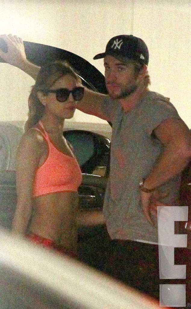 Liam Hemsworth And Eiza Gonzalez Hollywood Hotti...