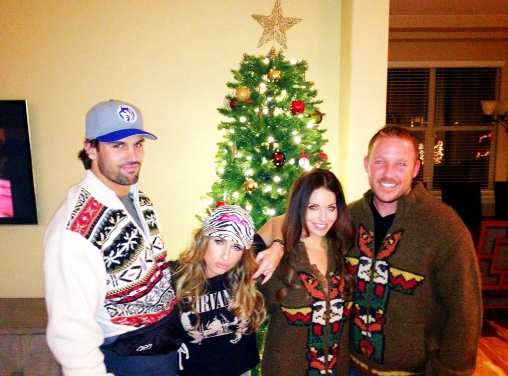 Christmas Sweaters from Eric Decker & Jessie James Decker Are the ...