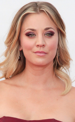 Kaley Cuoco, Emmy Awards, 2013