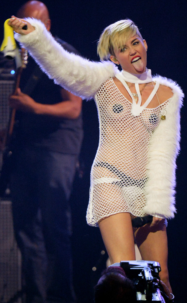 Miley Cyrus Rocks Pasties Twerks At Iheartradio Music Fest E News