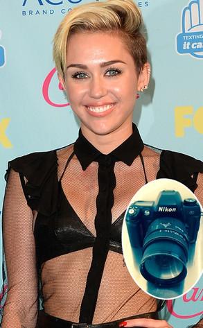 Miley Cyrus, Camera