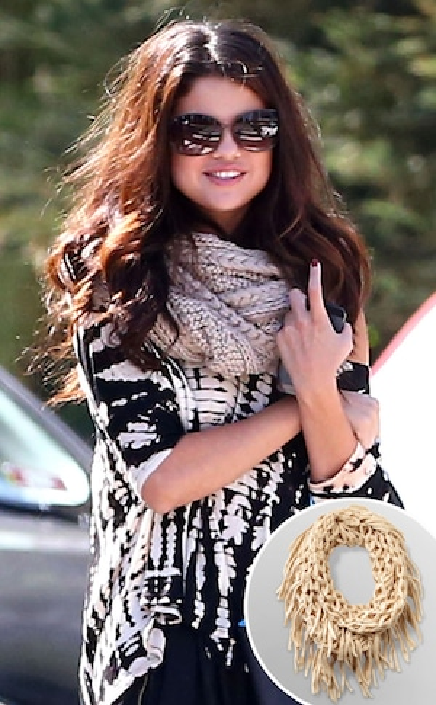 Selena Gomez, Celeb Scarves