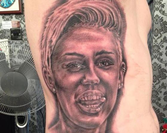 Carl McCoid, Miley Cyrus, tatuajes