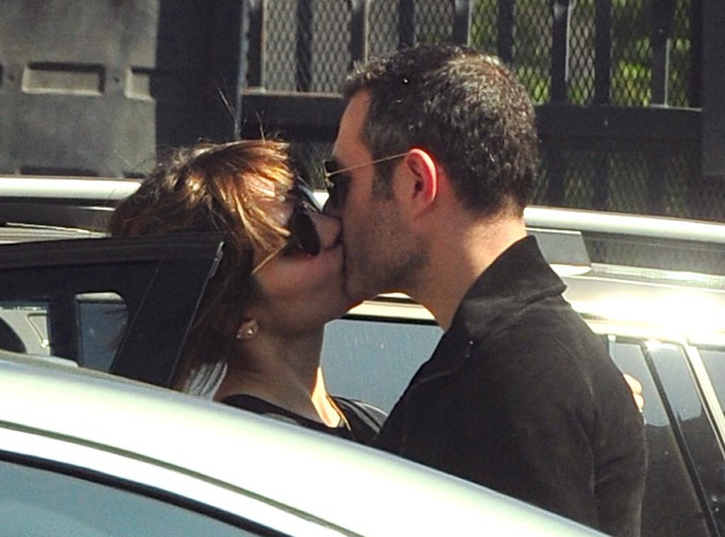 katharine mcphee kissing pics