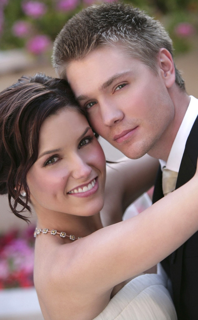 Sophia bush dating life