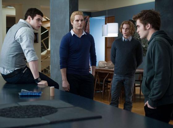 Twilight, Robert Pattinson, Jackso Rathbone, Kellen Lutz, Peter Facinelli