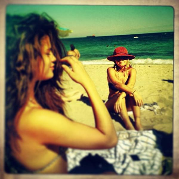 Selena Gomez, Bikini, Instagram