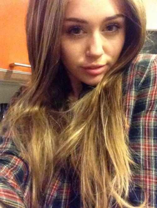 Miley Cyrus, Miley Cyrus peruca