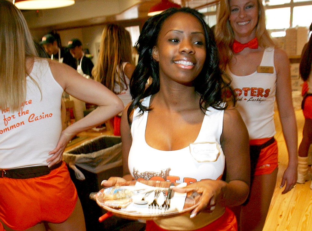 topless hooters group girls