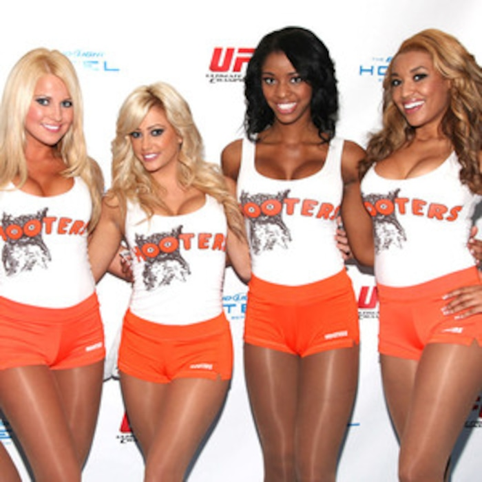 picking up a hooters girl