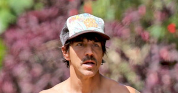 Red Hot Chili Peppers Anthony Kiedis Goes Shirtless At 50