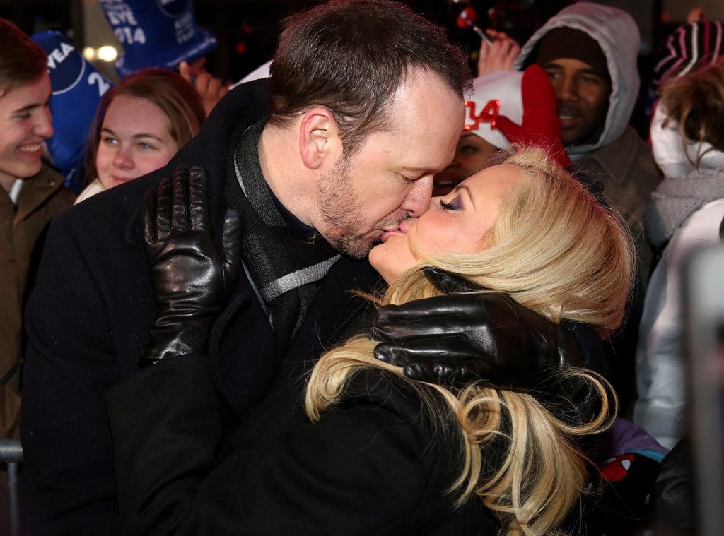 who is jenny mccarthy dating now