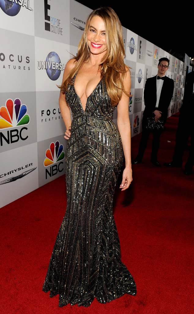 Sofía Vergara Shows Off Major Cleavage in Sexy Gold Dress ...