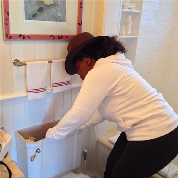 Oprah, Toilet, Instagram