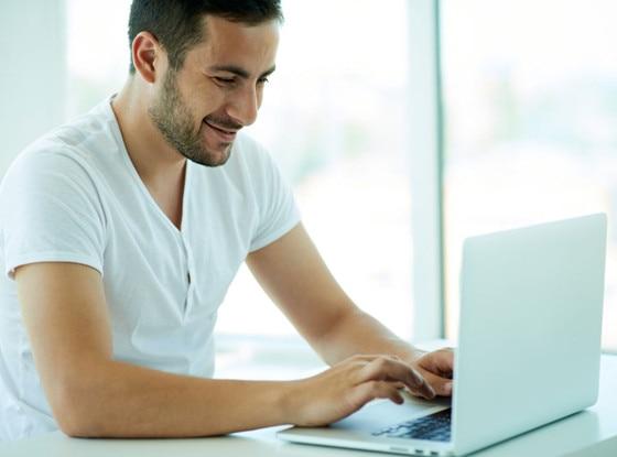 is online dating easier for men or women