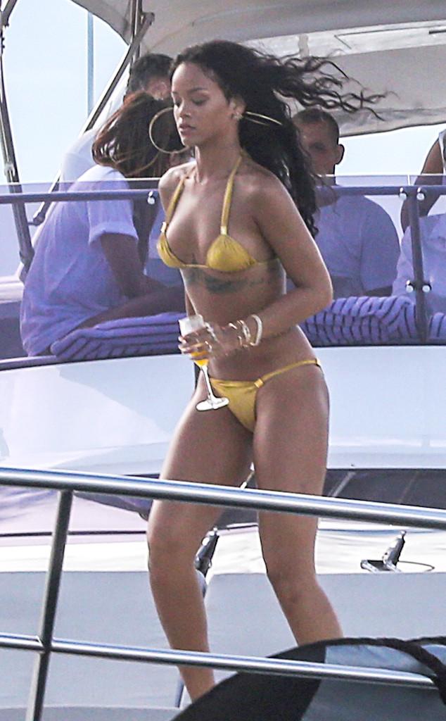 Rihanna, Bikini