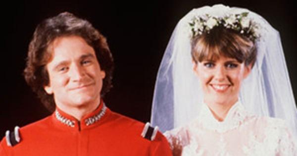 Mork And Mindy Reunion Alert The Crazy Ones Reunites Robin Williams Pam Dawber E News