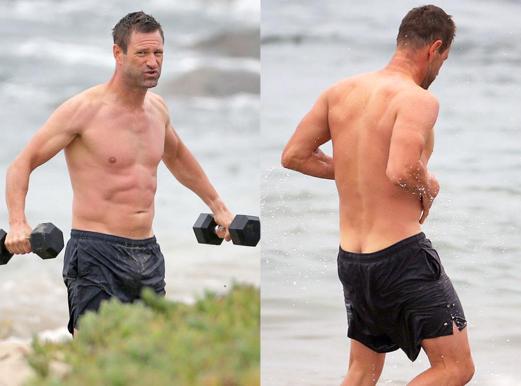 Aaron Eckhart Works Out Shirtless At The Beach Accidentally Flashes His Butt Crack