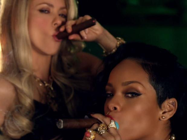 Rihanna Shakira Cant Remember to Forget You clipe