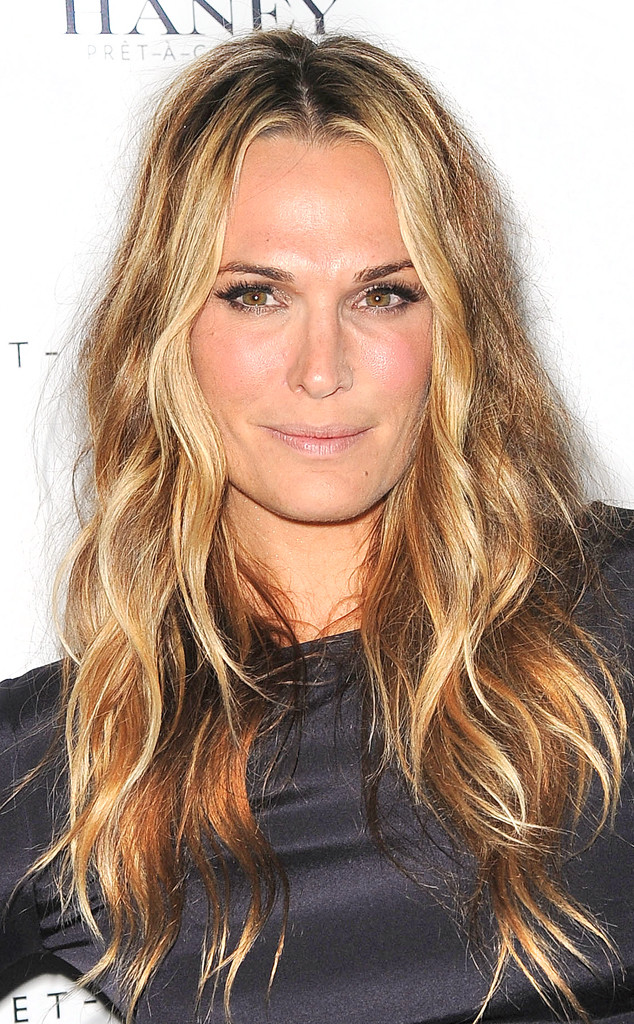 Beauty Police Molly Sims Pays Homage To American Horror Story