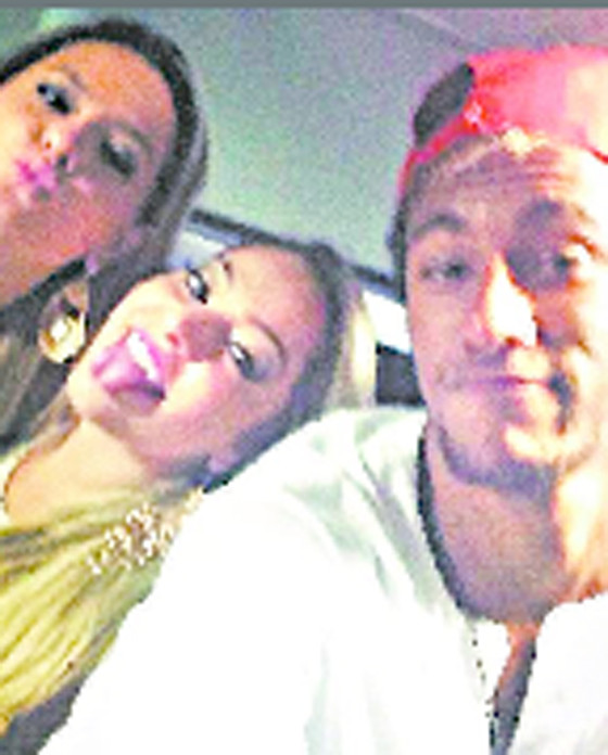 Neymar e amigas no Réveillon